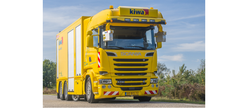 Kiwa-KOAC truck uitgeklapt 800x350px